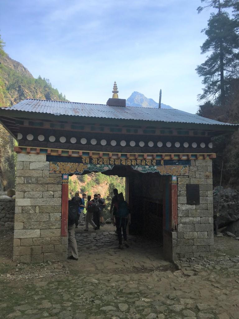 Kani Gate to Khumbu Valley