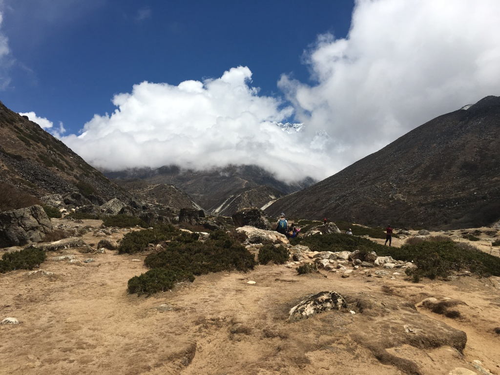 View of the path to Dingboche