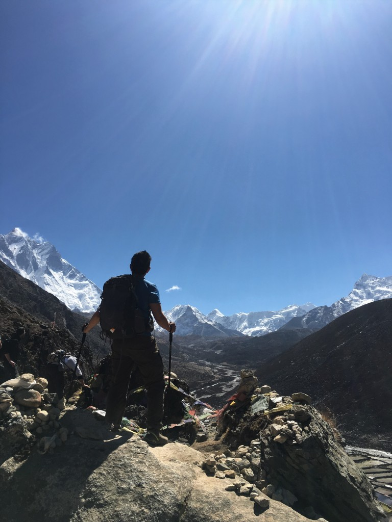 Leo standing with Lhotse